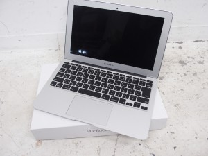 MacBook Air 11インチ ノートパソコン