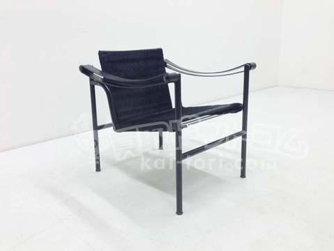 買取金額 30,000円 カッシーナ Cassina LC1 SLING CHAIR スリングチェア 黒毛皮 ブラックフレーム