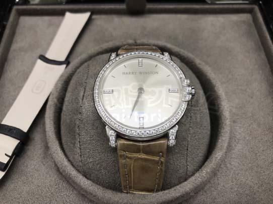 買取金額800,000円 ハリーウィンストン ミッドナイト 腕時計